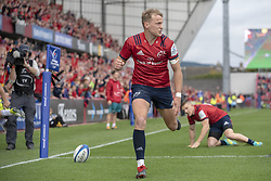 October 20, 2018 - Limerick, Ireland - Mike Haley of Munster scores a try during the Heineken Champions Cup match between Munster Rugby and Gloucester Rugby at Thomond Park in Limerick, Ireland on October 20, 2018  (Credit Image: © Andrew Surma/NurPhoto via ZUMA Press)