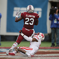 South Carolina Gamecocks wide receiver Bruce Ellington (23) catches a touchdown past Wisconsin Badgers cornerback Sojourn Shelton (8) during the NCAA Capital One Bowl football game between the South Carolina Gamecocks who represent the SEC and the Wisconsin Badgers who represent the Big 10 Conference, at the Florida Citrus Bowl on Wednesday, January 1, 2014 in Orlando, Florida. (AP Photo/Alex Menendez)