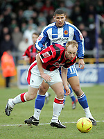 Photo: Paul Thomas. Chester City v Yeovil Town. Deva Stadium, Chester. Coca Cola League Two. 19/02/2005. Paul Terry gets away from Ashley Sestanovich.