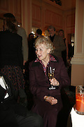 Dame Margaret Anstee. Oldie magazine's Oldie of the Year Awards 2006. Simpson's. the Strand. London.21 March 2006.  ONE TIME USE ONLY - DO NOT ARCHIVE  © Copyright Photograph by Dafydd Jones 66 Stockwell Park Rd. London SW9 0DA Tel 020 7733 0108 www.dafjones.com