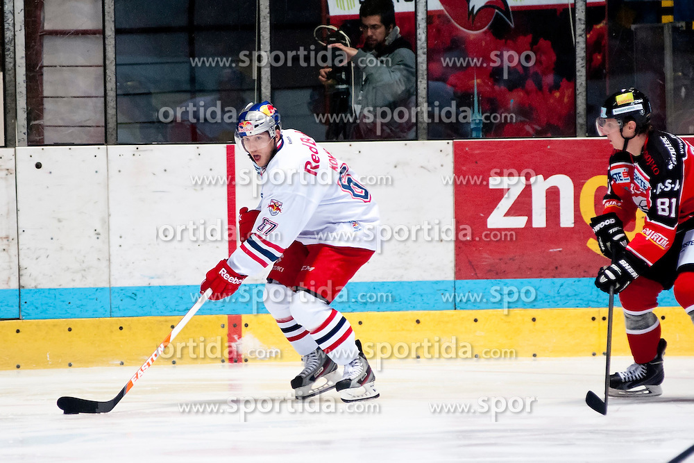 05.01.2014, Zimni Stadion, Zneim, CZE, EBEL, HC Orli Znojmo vs EC Red Bull Salzburg, 64. Runde, im Bild David Pojkar (HC Orli Znojmo #81) Konstantin Komarek (EC Red Bull Salzburg #67) // David Pojkar (HC Orli Znojmo #81) Konstantin Komarek (EC Red Bull Salzburg #67) during the Erste Bank Icehockey League 64th round match between HC Orli Znojmo and EC Red Bull Salzburg at the Zimni Stadion in Zneim, Czech Republic on 2014/01/05. EXPA Pictures © 2014, PhotoCredit: EXPA/ Rostislav Pfeffer