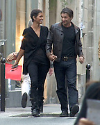 05.SEPTEMBER.2010. PARIS<br /> <br /> **THESE PICTURES ARE EXCLUSIVE**<br /> <br /> RECENTLY DIVORCED HOLLYWOOD ACTRESS HALLE BERRY WAS SPOTTED IN PARIS WITH HER NEW MAN KYLIE MINOGUE'S EX-BOYFRIEND OLIVER MARTINEZ. THEY SPENT THE AFTERNOON TOGETHER IN THE FRENCH CAPITAL BY FIRST OF ALL GOING FOR SOME SOME DRINKS WITH OLIVER'S BROTHER THEN WENT FOR A ROMANTIC DINNER AT AN ITALIAN RESTAURANT. THEY THEN WENT FOR A LATE NIGHT STROLL HOLDING HANDS LAUGHING AND KEPT STOPPING TO KISS EACHEOTHER ON THE WAY HOME.<br /> <br /> BYLINE: EDBIMAGEARCHIVE.COM<br /> <br /> *THIS IMAGE IS STRICTLY FOR UK NEWSPAPERS AND MAGAZINES ONLY*<br /> *FOR WORLD WIDE SALES AND WEB USE PLEASE CONTACT EDBIMAGEARCHIVE - 0208 954 5968*