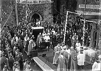 The Eucharistic Congress took place in Dublin in 1932, Other centres around Ireland participated including Cashel where this picture was took. <br /> (Part of the Independent Newspapers Ireland/NLI collection.)