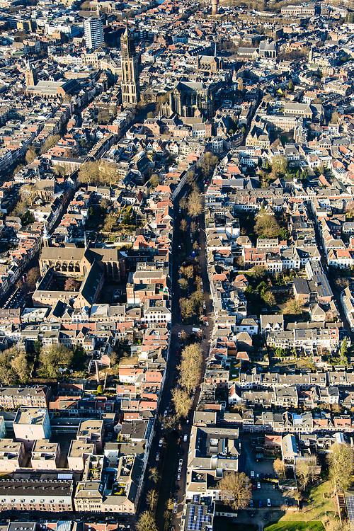 Nederland, Utrecht, Utrecht, 07-02-2018; binnenstad met Nieuwegracht, links Catharijneconvent en Catharijnekathedraal. Dom en Domplein.<br /> Inner city with Nieuwegracht (new canal), left Catharijneconvent and Catharina kathedral.<br /> <br /> luchtfoto (toeslag op standard tarieven);<br /> aerial photo (additional fee required);<br /> copyright foto/photo Siebe Swart