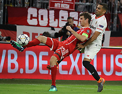 11.04.2018, Allianz Arena, Muenchen, GER, UEFA CL, FC Bayern Muenchen vs Sevilla FC, Viertelfinale, R&uuml;ckspiel, im Bild Thomas M&uuml;ller und Gabriel Mercado // during the UEFA Champions League Quarterfinal, 2nd leg Match between FC Bayern Muenchen vs Sevilla FC at the Allianz Arena in Muenchen, Germany on 2018/04/11. EXPA Pictures &copy; 2018, PhotoCredit: EXPA/ SM<br /> <br /> *****ATTENTION - OUT of GER*****
