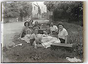 roadside family picnic France 1930s