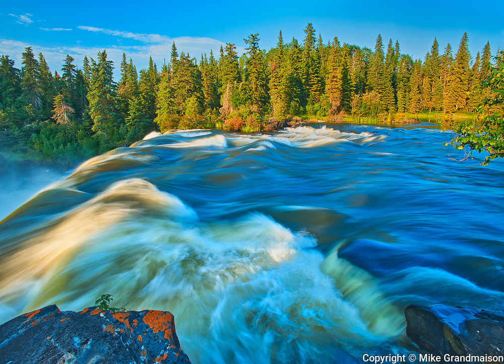 The Grass River plunges at Pisew Falls<br />Pisew Falls Provincial Park<br />Manitoba<br />Canada