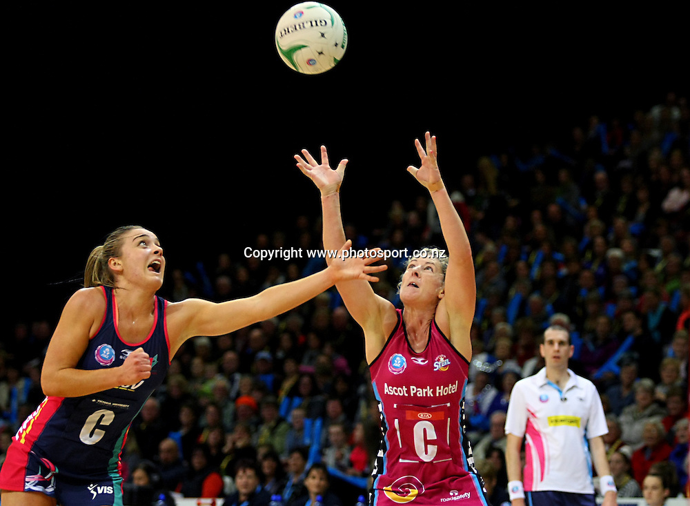 Vixens Elizabeth Watson, left, and Steels Phillipa Finch compete for the ball in the ANZ championship netball match, Steel v Vixens, ILT Stadium Southland, Invercargill, New Zealand, Saturday, May 31, 2014. Photo: Dianne Manson / www.photosport.co.nz