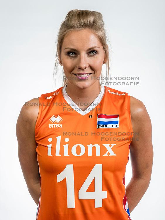 22-05-2017 NED: Nederlands volleybalteam vrouwen, Utrecht<br /> Photoshoot met Oranje vrouwen seizoen 2017 / Laura Dijkema #14