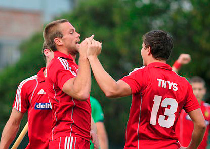 Maxim Luyxc celebrates his gol, the second in the match