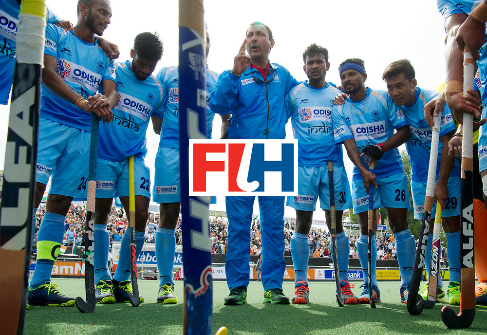 BREDA - Rabobank Hockey Champions Trophy<br /> India - Pakistan<br /> Photo: India after the match with head coach Harendra Singh.<br /> COPYRIGHT WORLDSPORTPICS FRANK UIJLENBROEK