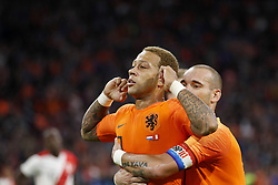 (L-R) Memphis Depay of Holland, Wesley Sneijder of Holland during the International friendly match match between The Netherlands and Peru at the Johan Cruijff Arena on September 06, 2018 in Amsterdam, The Netherlands