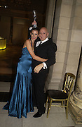 Liberty Ross and Stephen Jones. British Fashion awards 2005. V. & A. Museum. Cromwell Rd. London.   10  November 2005 . ONE TIME USE ONLY - DO NOT ARCHIVE © Copyright Photograph by Dafydd Jones 66 Stockwell Park Rd. London SW9 0DA Tel 020 7733 0108 www.dafjones.com