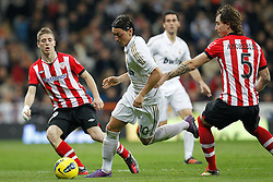 22.01.2012, Santiago Bernabeu Stadion, Madrid, ESP, Primera Division, Real Madrid vs Athletic Bilbao, 1. Spieltag, Nachtrag, im Bild Real Madrid's Mesut Ozil and Athletic de Bilbao's Iker Muniain // during the football match of spanish 'primera divison' league, 1th round, supplement, between Real Madrid and Athletic Bilbao at Santiago Bernabeu stadium, Madrid, Spain on 2012/01/22. EXPA Pictures © 2012, PhotoCredit: EXPA/ Alterphotos/ Cesar Cebolla..***** ATTENTION - OUT OF ESP and SUI *****