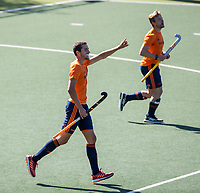 AMSTELVEEN -  Jonas de Geus heeft gescoord    tijdens de training van het heren hockey team. Het Nederlands elftal heeft toestemming gekregen van het ministerie van VWS, het RIVM en NOC NSF om de groepstrainingen te hervatten tijdens de coronacrisis. Er mogen niet meer dan 6 veldspelers telgelijk op het veld.  COPYRIGHT KOEN SUYK