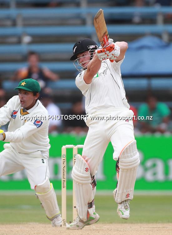 Kane Williamson batting on Day 4 of the 2nd test match.  New Zealand Black Caps v Pakistan, Test Match Cricket. Basin Reserve, Wellington, New Zealand. Tuesday 18 January 2011. Photo: Andrew Cornaga/photosport.co.nz