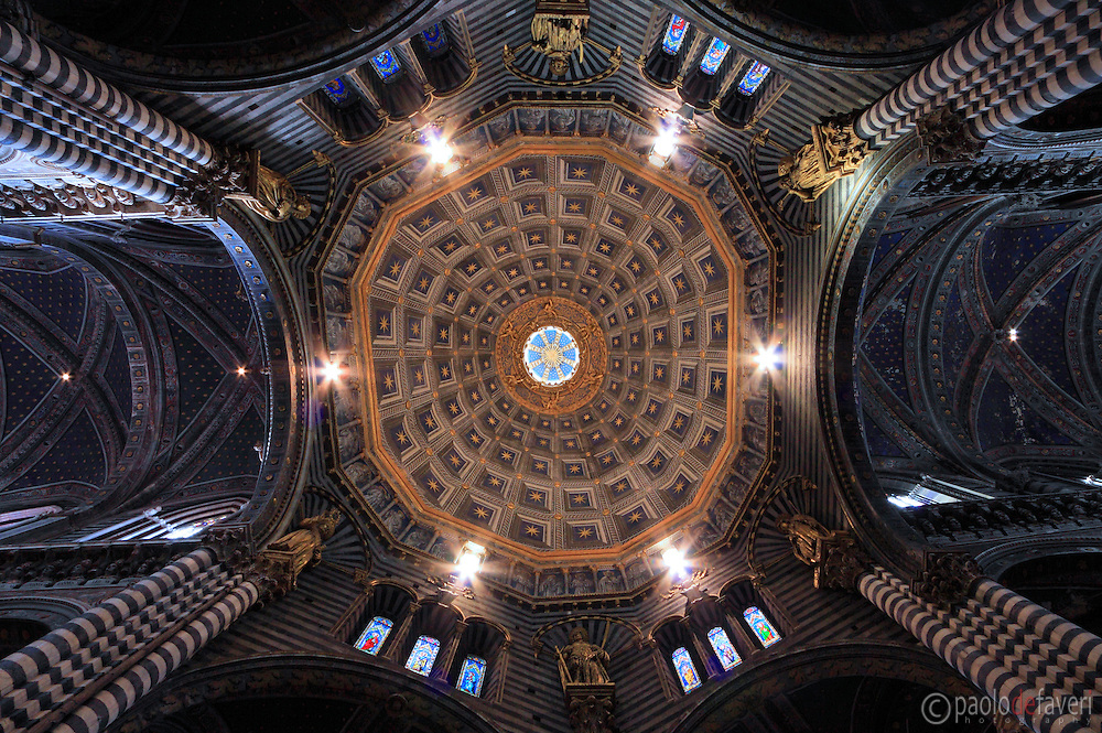 The amazingly decorated ceiling of the gothic Cathedral of Siena.