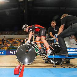 Kyra Lamberink (Bergentheim) start voor haar gouden 500 meter op het Nederlands kampioenschap baan voor junior vrouwen in Apeldoorn