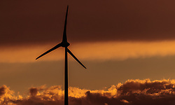 THEMENBILD - ein Windrad des Energieversorgers EVN in einem Windpark zur Stromerzeugung im Gegenlicht bei Sonnenuntergang, aufgenommen am 7. Juni 2017, Rottersdorf, Oesterreich // a Wind turbine from the Austrian-based producer and transporter of electricity, EVN operate in a wind farm in the backlight at sunset at Rottersdorf, Austria on 2017/06/07. EXPA Pictures © 2017, PhotoCredit: EXPA/ JFK