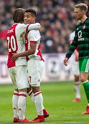 21-01-2018 NED: AFC Ajax - Feyenoord, Amsterdam<br /> Ajax was met 2-0 te sterk voor Feyenoord / David Neres #7 of AFC Ajax, Lasse Schone #20 of AFC Ajax
