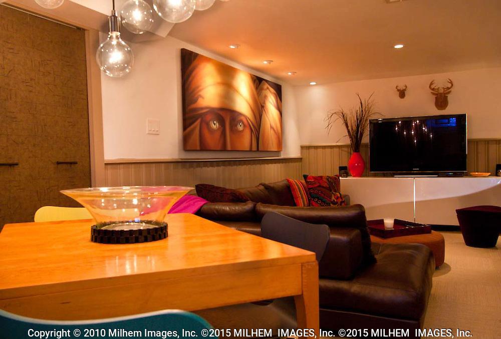 Dearborn Heights, interior designer Steven Quinkert designs photographed by Interior design and Architectural Photographer Janice Milhem, Milhem Images Inc., Inc.