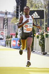 07.04.2019, Wien, AUT, Vienna City Marathon 2019, im Bild Maurine Chepkemoi (KEN)// during the Vienna City Marathon 2019 in Vienna, Austria on 2019/04/07. EXPA Pictures © 2019, PhotoCredit: EXPA/ Florian Schroetter