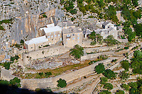 Croatie, Dalmatie, côte dalmate, île de Brac, monastère de Blaca // Croatia, Dalmatia, Brac island, Blaca Monastery
