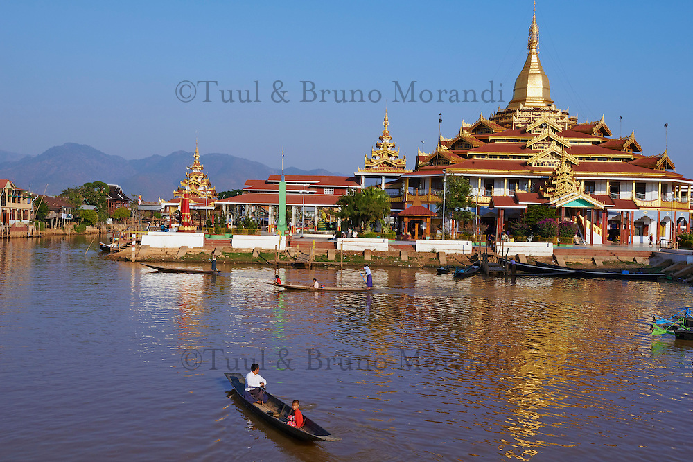 Myanmar (ex Birmanie), Province de Shan, le lac Inle, Paya Phaung Daw Oo // Myanmar (Burma), Shan province, Inle lake, Paya Phaung Daw Oo