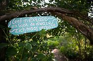AMSTERDAM - Ruigoord is een voormalig eiland en een dorp met diezelfde naam in de Houtrakpolder in de gemeente Amsterdam, in de provincie Noord-Holland. Het dorp werd gekraakt op 24 juli 1973.  <br /> <br /> De festivals op Ruigoord moeten voortaan achter hekken worden gehouden, zodat alle bezoekers kunnen worden gefouilleerd. De maatregel moet ervoor zorgen dat daar minder drugs en zelf meegebrachte alcohol worden gebruikt.  copyright robin utrect