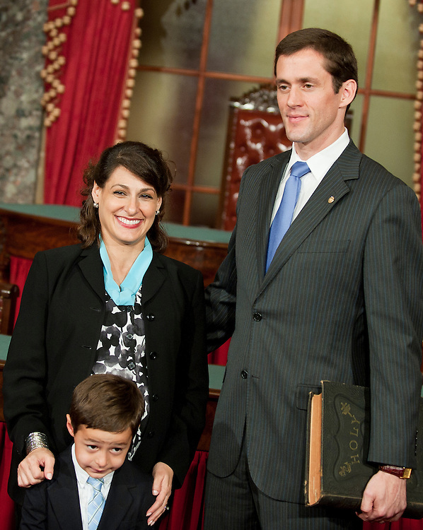 Jul 20, 2010 - Washington, District of Columbia, U.S., - CARTE GOODWIN was sworn in Tuesday as the interim replacement for the late Sen. Robert Byrd of West Virginia. PICTURED with the new senator: Wife, ROCHELLE GOODWIN, son, PATRICK GOODWIN, 4.(Credit Image: © Pete Marovich/ZUMA Press)
