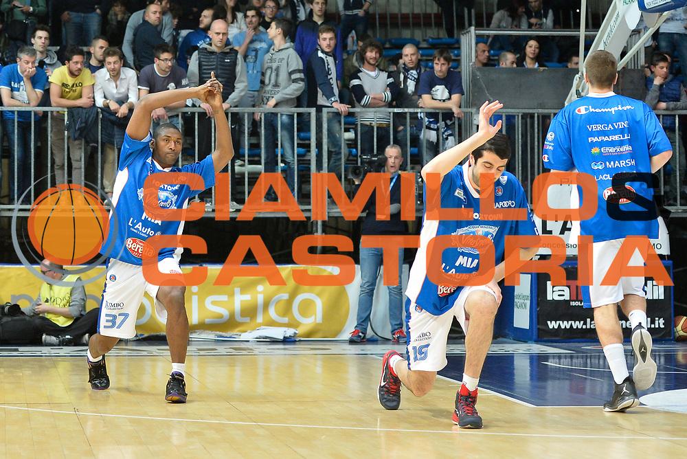 DESCRIZIONE : Cant&ugrave; Lega A 2014-15 Acqua Vitasnella Cant&ugrave; Upea Capo D'Orlando<br /> GIOCATORE : Metta World Peace<br /> CATEGORIA : Pregame<br /> SQUADRA : Acqua Vitasnella Cant&ugrave;<br /> EVENTO : Campionato Lega A 2014-2015<br /> GARA : Acqua Vitasnella Cant&ugrave; Upea Capo D'Orlando<br /> DATA : 04/04/2015<br /> SPORT : Pallacanestro <br /> AUTORE : Agenzia Ciamillo-Castoria/I.Mancini<br /> Galleria : Lega Basket A 2014-2015  <br /> Fotonotizia : Cant&ugrave; Lega A 2014-2015 Acqua Vitasnella Cant&ugrave; Upea Capo D'Orlando<br /> Predefinita :