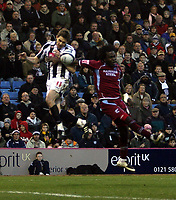 Photo: Mark Stephenson/Sportsbeat Images.<br /> West Bromwich Albion v Scunthorpe United. Coca Cola Championship. 29/12/2007.West Brom's Zoltan  Gera gets the better of Scunthorpe's Kelly Youga