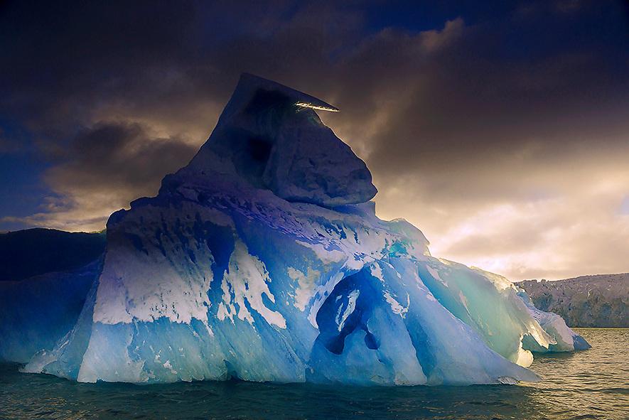 Glacier Palamder Bukta  Svalbard  with Elysium
