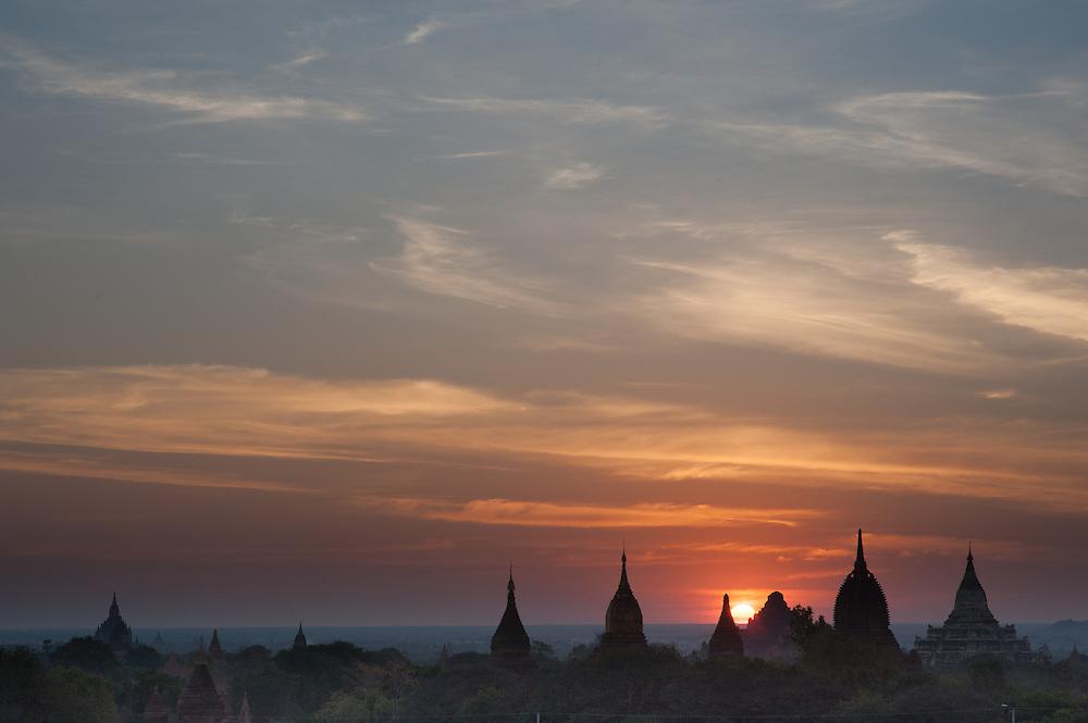Sunrise over Bagan temples (Myanmar)