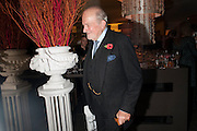 CLAUS VON BULOW, Launch of Nicky Haslam's book Redeeming Features. Aqua Nueva. 5th floor. 240 Regent St. London W1.  5 November 2009.  *** Local Caption *** -DO NOT ARCHIVE-© Copyright Photograph by Dafydd Jones. 248 Clapham Rd. London SW9 0PZ. Tel 0207 820 0771. www.dafjones.com.<br /> CLAUS VON BULOW, Launch of Nicky Haslam's book Redeeming Features. Aqua Nueva. 5th floor. 240 Regent St. London W1.  5 November 2009.