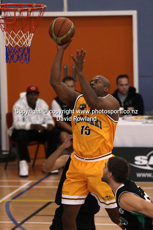 Taranaki's Link Abrams takes a shot in an NBL Basketball Match, Super City Rangers v Taranaki Mountain Airs, Otara, Auckland, New Zealand, Sunday, May 05, 2013. Photo: David Rowland/Photosport