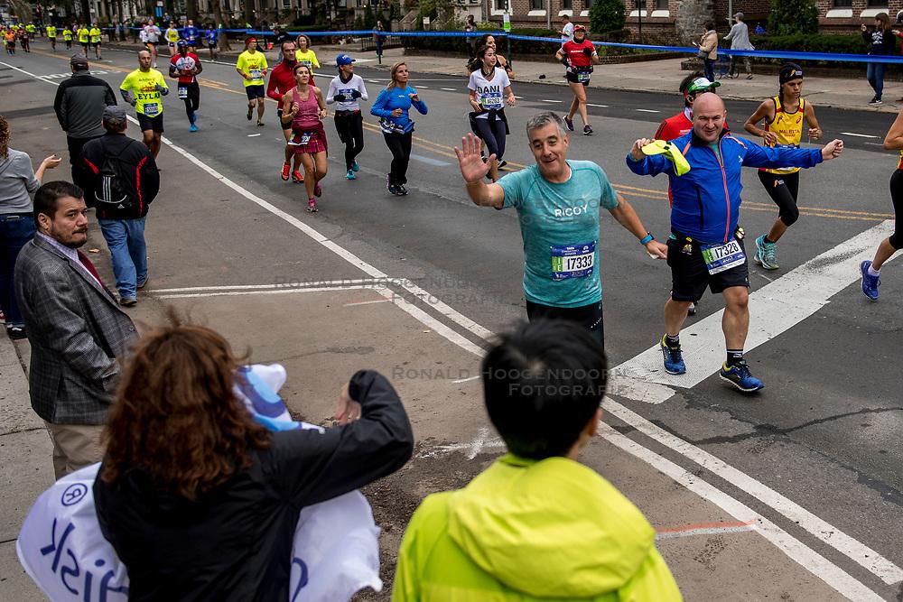 05-11-2017 USA: NYC Marathon We Run 2 Change Diabetes day 3, New York<br /> De dag van de marathon, 42 km en 195 meter door de straten van Staten Island, Brooklyn, Queens, The Bronx en Manhattan / Vicente Spain