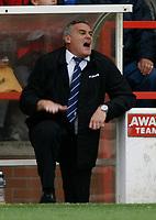 Photo: Richard Lane/Richard Lane Photography. Nottingham Forest v Cardiff City. Coca Cola Championship. 24/10/2008. Dave Jones shows frustration