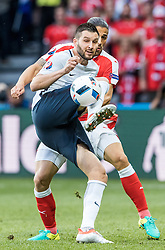 19.06.2016, Stade Pierre Mauroy, Lille, FRA, UEFA Euro, Frankreich, Schweiz vs Frankreich, Gruppe A, im Bild Andre Pierre Gignac (FRA), Ricardo Rodriguez (SUI) // Andre Pierre Gignac (FRA), Ricardo Rodriguez (SUI) during Group A match between Switzerland and France of the UEFA EURO 2016 France at the Stade Pierre Mauroy in Lille, France on 2016/06/19. EXPA Pictures © 2016, PhotoCredit: EXPA/ JFK