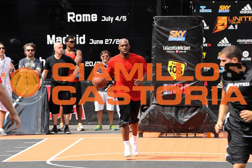 DESCRIZIONE : Roma Stadio Flaminio NBA 5 United Tour<br /> GIOCATORE : Chauncey Billups<br /> SQUADRA : <br /> EVENTO : Roma Stadio Flaminio NBA 5 United Tour<br /> GARA : <br /> DATA : 05/07/2009<br /> CATEGORIA : Ritratto<br /> SPORT : Pallacanestro<br /> AUTORE : Agenzia Ciamillo-Castoria/G.Ciamillo<br /> Galleria : Roma Stadio Flaminio NBA 5 United Tour<br /> Fotonotizia : Roma Stadio Flaminio NBA 5 United Tour<br /> Predefinita :