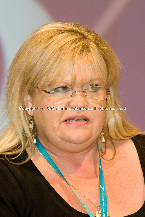 Nina Franklin, NUT, speaking at the TUC 2006...© Martin Jenkinson, tel 0114 258 6808 mobile 07831 189363 email martin@pressphotos.co.uk. Copyright Designs & Patents Act 1988, moral rights asserted credit required. No part of this photo to be stored, reproduced, manipulated or transmitted to third parties by any means without prior written permission