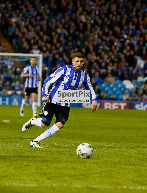 Gary Hooper on the ball during Sheffield Wednesday v Milton Keynes Dons, SkyBet Championship, Tuesday 19th April 2016, Hilsborough, Sheffield