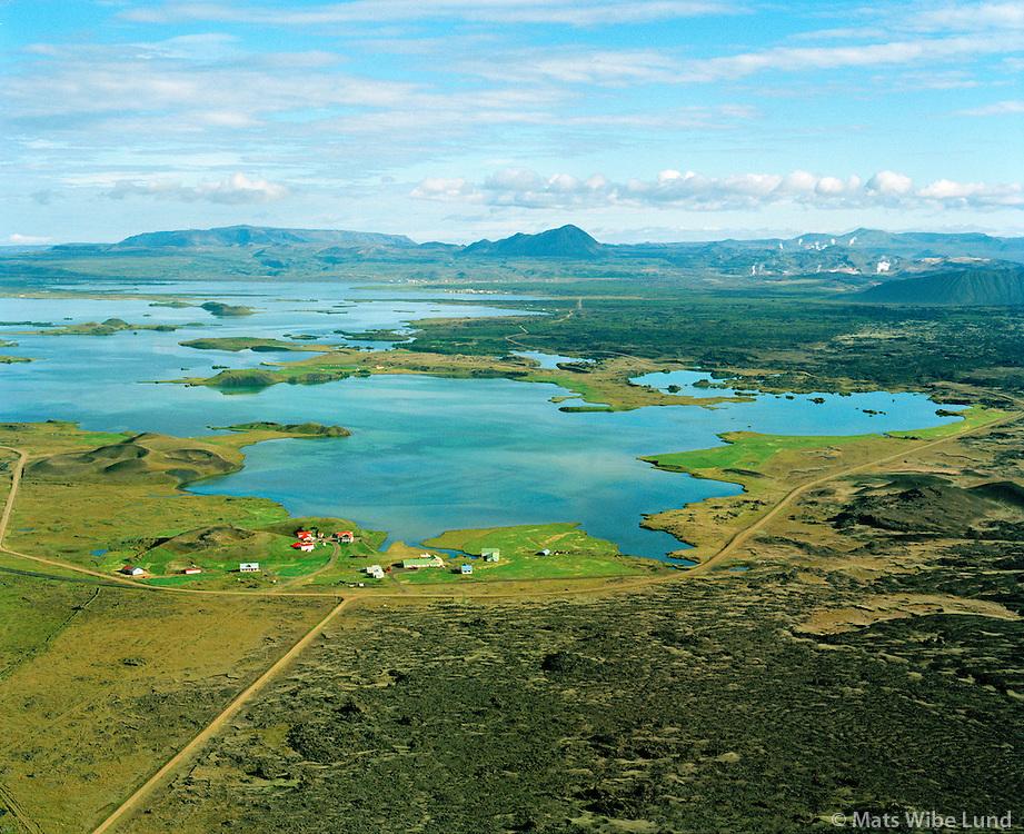 Garður I, II og III séð til norðnorðausturs,  Kálfaströnd i bakgrunni, Mývatn, Skútustaðahreppur / Gardur I, II and III viewing northnortheast, Kalfastrond in background, lake Myvatn, Skutustadahreppur