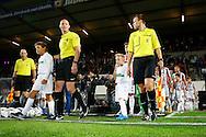 19-09-2015 VOETBAL:WILLEM II- FC UTRECHT:TILBURG<br /> <br /> Scheidsrechter S. Mulder komt het veld op <br /> <br /> Foto: Geert van Erven