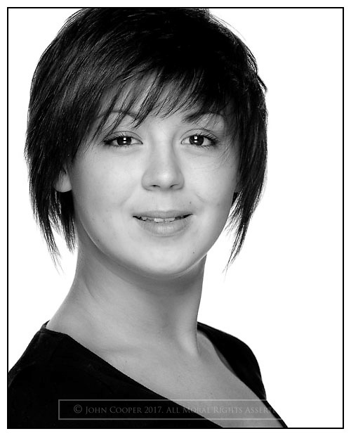 Headshot of actress Jillian Lorimer.