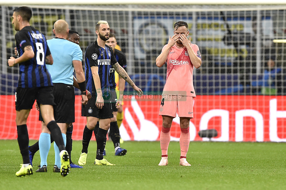 صور مباراة : إنتر ميلان - برشلونة 1-1 ( 06-11-2018 )  20181106-zaa-a181-403