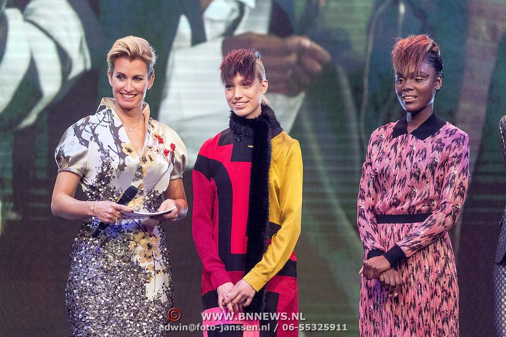 NLD/Amsterdam/20161025 - finale Holland Next Top model 2016, winnares Akke Marije Marinus, model Colette Kanza