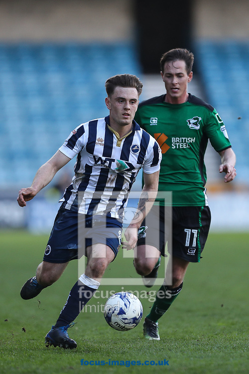 Ben Thompson of Millwall (left) and Josh Morris of Scunthorpe United in action during the Sky Bet League 1 match at The Den, London<br /> Picture by Toyin Oshodi/Focus Images Ltd 07984788195<br /> 01/04/2017