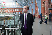 JEFFERY DEAVER, Launch of Carte Blanche by Jeffery Deaver. New James Bond novel . Champagne Bar, Upper Concourse<br /> St. Pancras International,  London. 25 May 2011. <br /> <br />  , -DO NOT ARCHIVE-© Copyright Photograph by Dafydd Jones. 248 Clapham Rd. London SW9 0PZ. Tel 0207 820 0771. www.dafjones.com.
