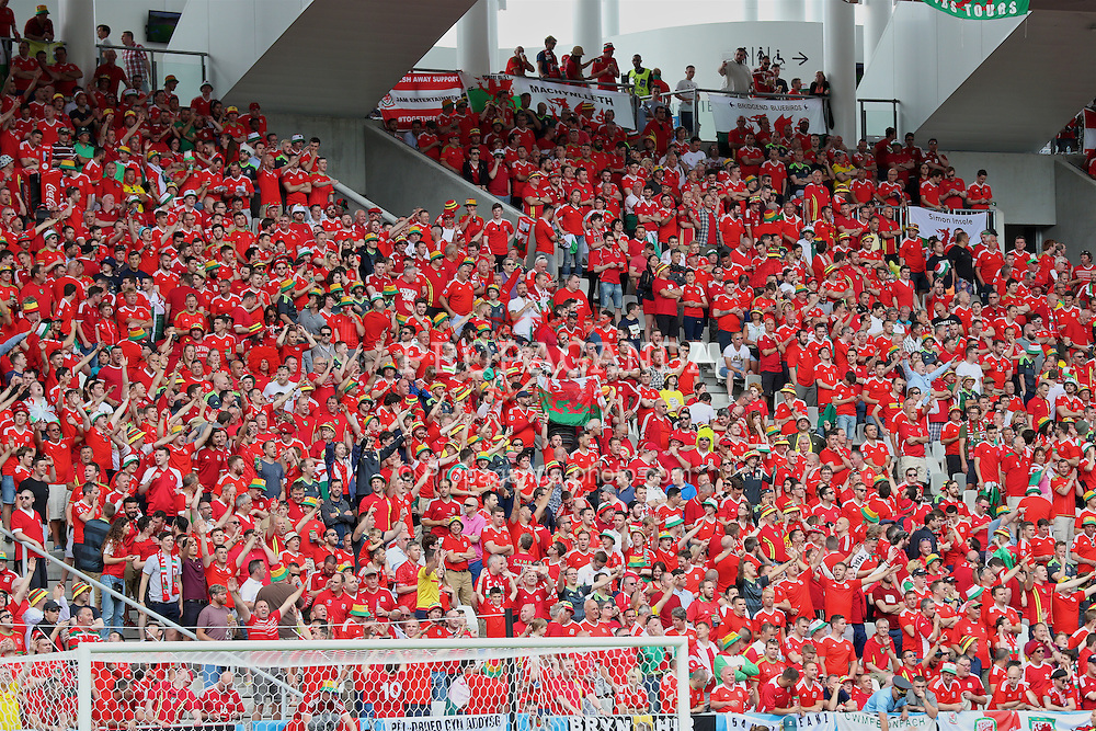 BORDEAUX, FRANCE - Saturday, June 11, 2016: Wales supporters before the UEFA Euro 2016 Championship match against Slovakia at Stade de Bordeaux. (Pic by David Rawcliffe/Propaganda)